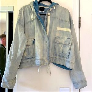 Urban Outfitters Cropped Jean Jacket. Size Large